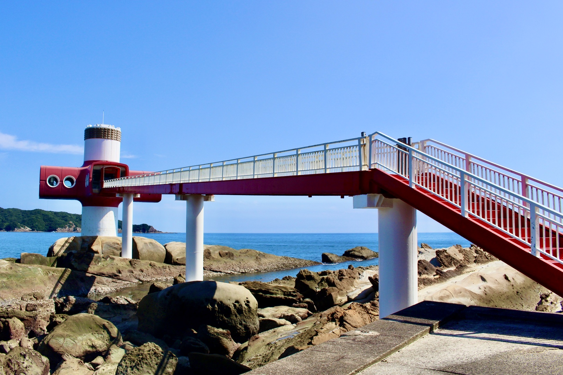 竜串海岸水中展望塔